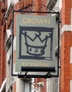 Pub sign showing crown